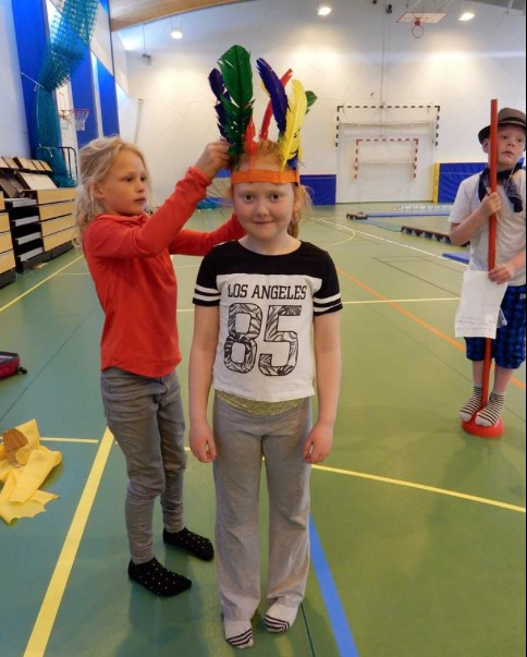PARATION IN THE SPORTS HALL: COSTUMES